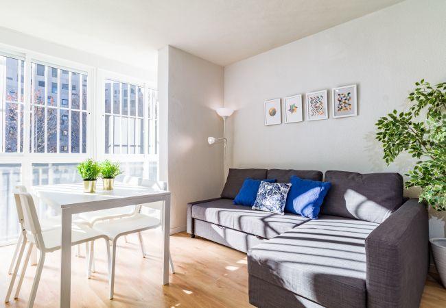 Apartamento en Madrid - Apartamento localizado en la parte sur de Madrid. Totalmente equipado, con A/C e internet