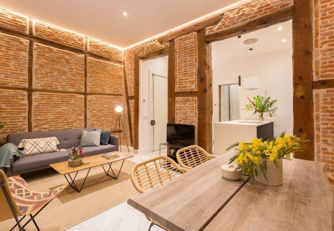 Apartamento en Madrid - Lujoso bajo para 6 personas en el centro de Madrid. Totalmente equipado, con A/C e internet!