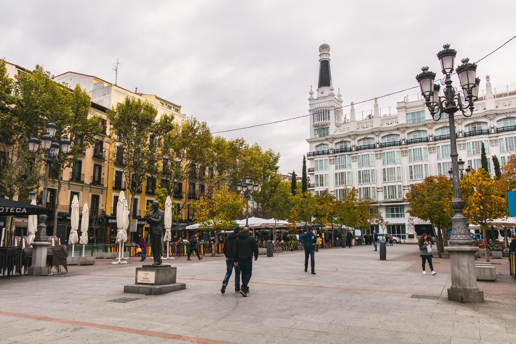 Apartamentos en madrid plaza santa ana for Alquiler habitacion plaza espana madrid
