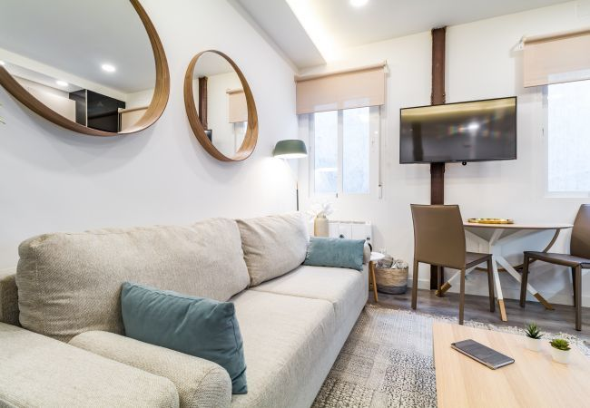 Apartment in Madrid - Ground floor apartment with bedrooms, full equipped, located an Salamanca neighborhood. With A/C and internet