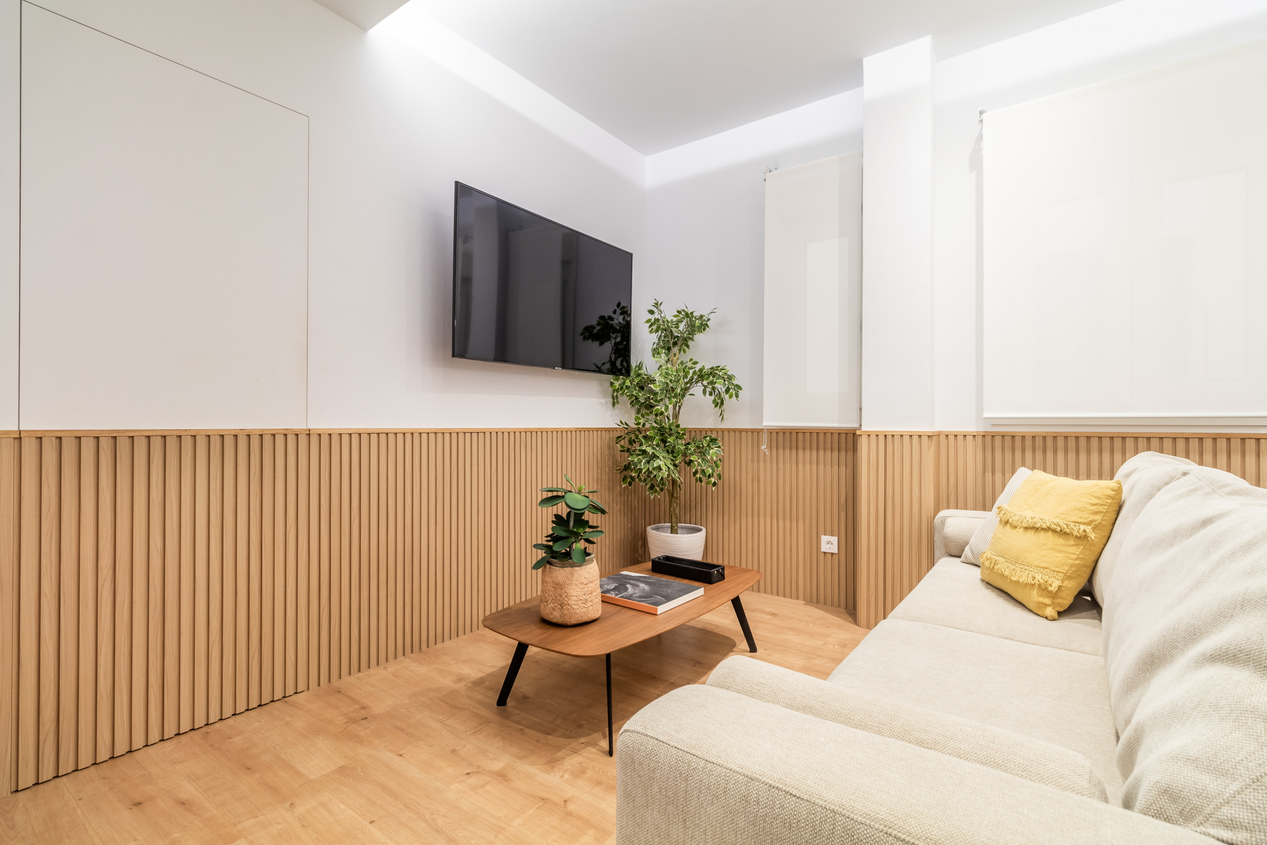 in Madrid - 2 bedroom apartment located in Salamanca neighborhood. Full equipped, with A/C and internet