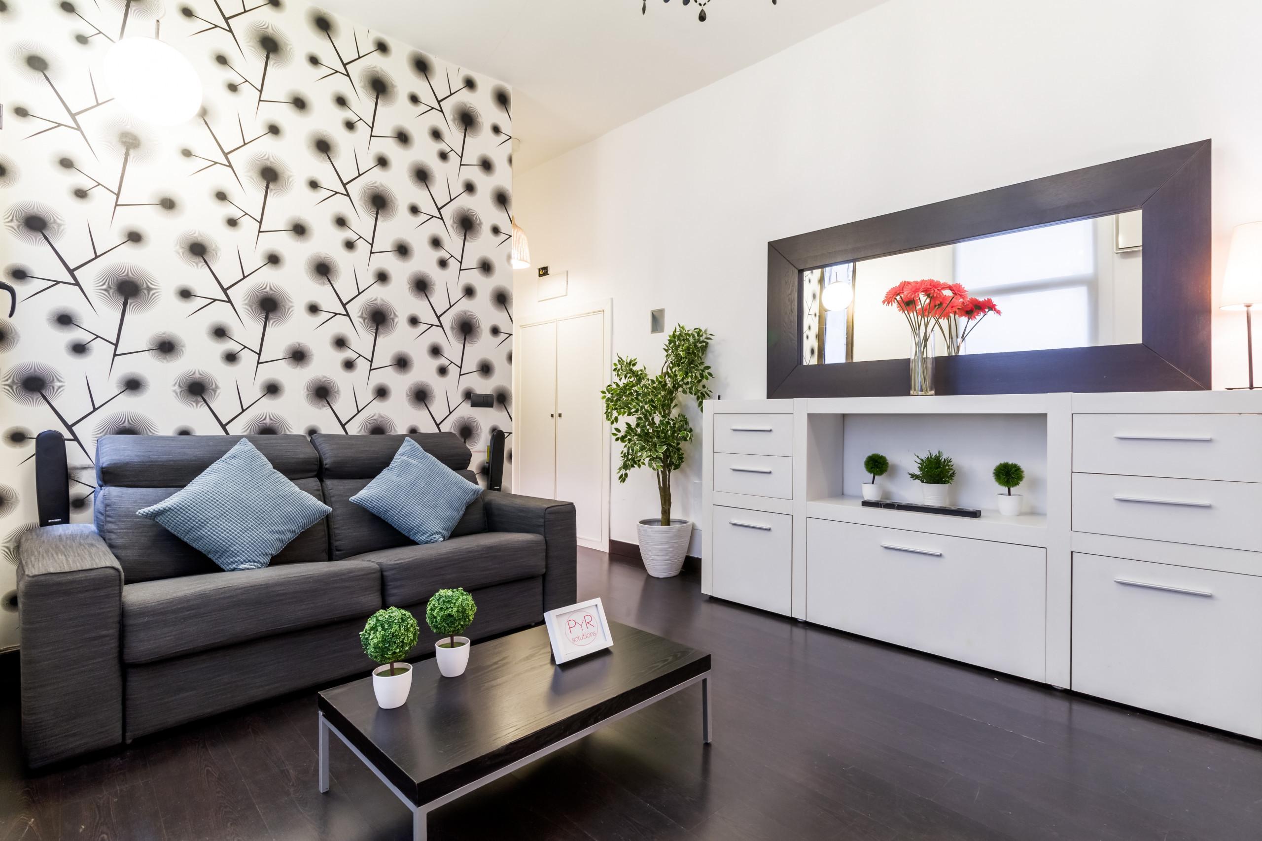 Apartment In Madrid   PYR Select Gran Vía ...